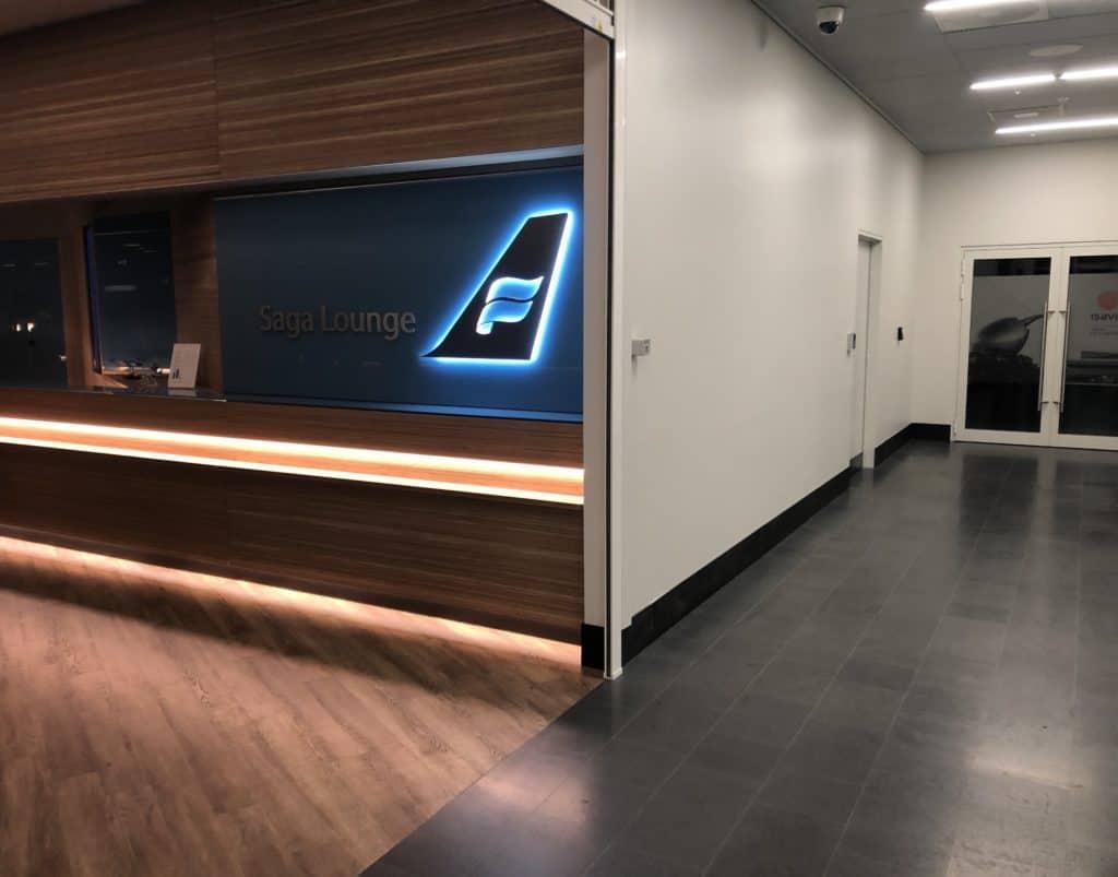 Icelandair Saga Lounge w Keflavik dla pasażerów klasy biznes