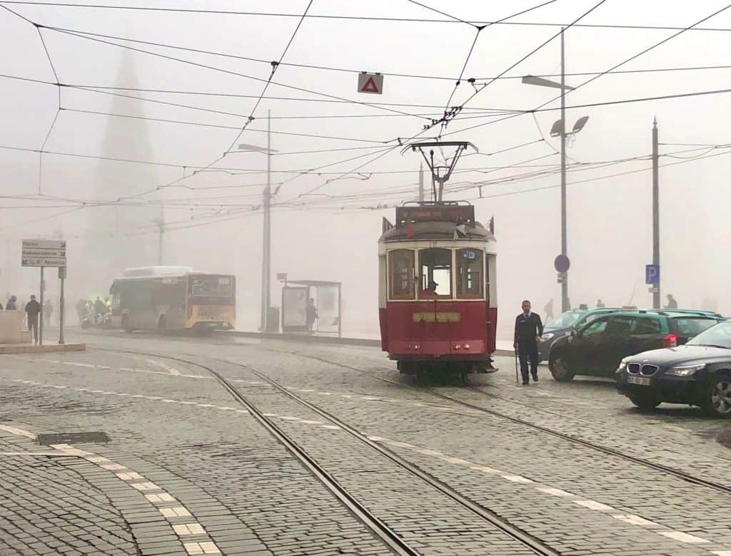 Lizbona we mgle