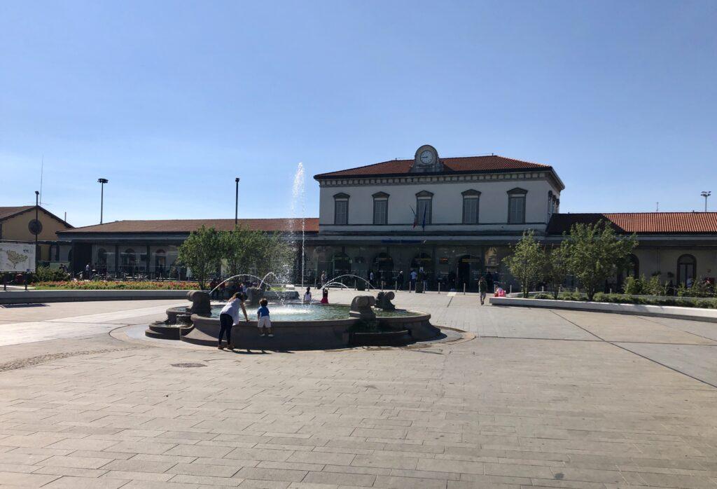 Dworzec kolejowy w Bergamo. Stąd proponuję Wam rozpocząć zwiedzanie miasta